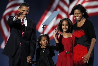 obamafamily2008.jpg